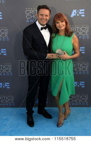 LOS ANGELES - JAN 17:  Mark Burnett, Roma Downey at the 21st Annual Critics Choice Awards at the Barker Hanger on January 17, 2016 in Santa Monica, CA