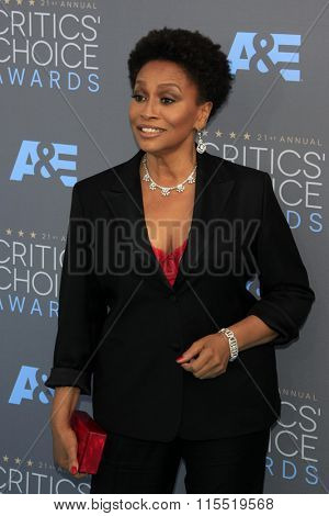 LOS ANGELES - JAN 17:  Jennifer Lewis at the 21st Annual Critics Choice Awards at the Barker Hanger on January 17, 2016 in Santa Monica, CA