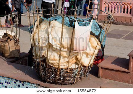 Vendor Selling Papads