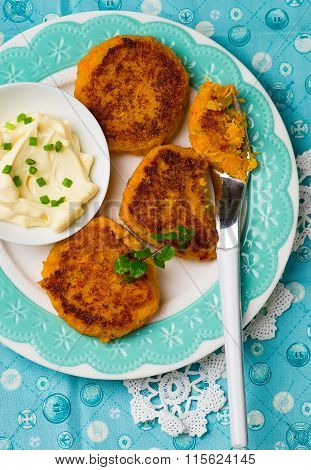 Carrot Fritters With Mayonese Sauce