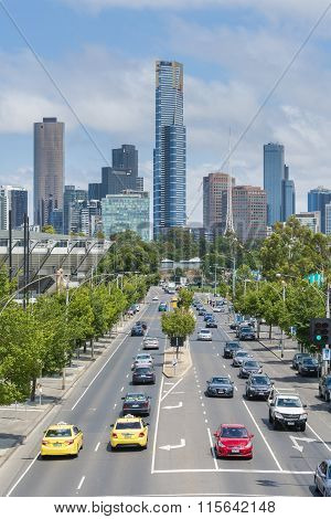 Modern buildings and busy road in downtown Melbourne