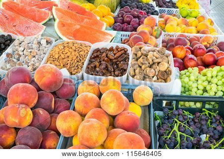 Plenty of fruit at a market