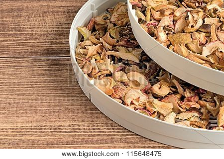 Slices of dried apples.