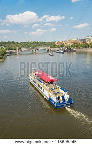Ferry Boaty On Moldava River - Prague- Czech Republic