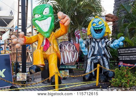 Coco Bongo Club Entrance With Dummy Of Mask At Zona Hotelera