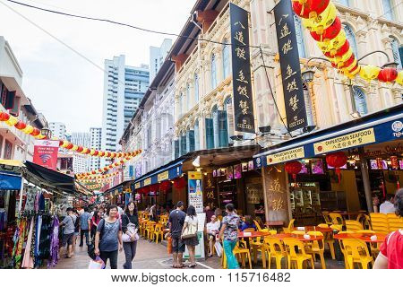 Chinese New Year Shopping In Singapore Chinatown