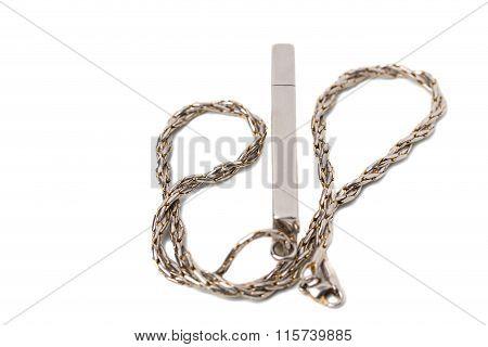 Flash usb drive with metallic chain.