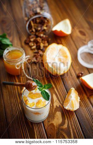 Greek yogurt with honey and oranges