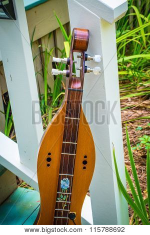 dulcimer mountain music instrument
