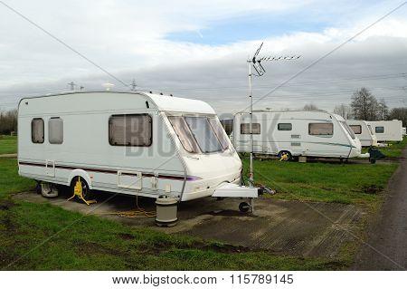Group og white caravans