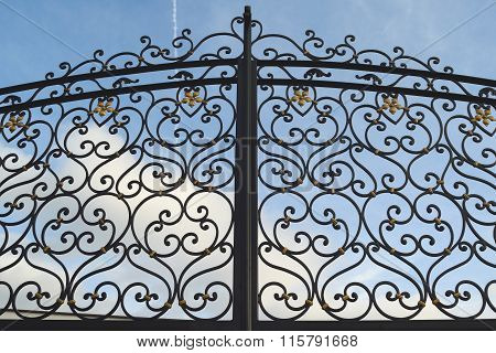 Detail of metal gate