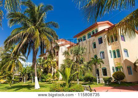 Luxury Hotel Cancun Clipper Club