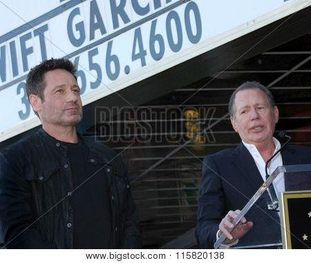 LOS ANGELES - JAN 25:  David Duchovny, Garry Shandling at the David Duchovny Hollywood Walk of Fame Star Ceremony at the Fox Theater on January 25, 2016 in Los Angeles, CA