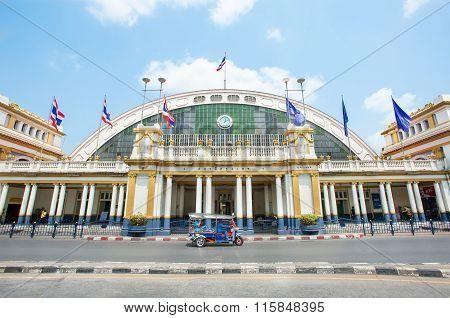 Exterior Shot Of Hua Lamphong Railway Station, Bangkok, Thailand