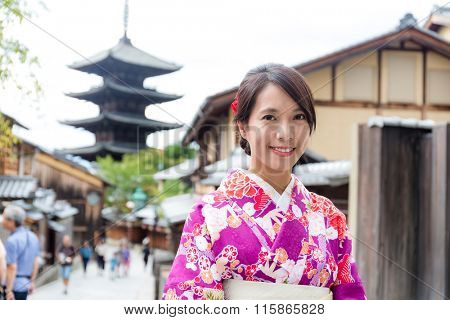 Woman dress up with kimono in yasaka pagoda