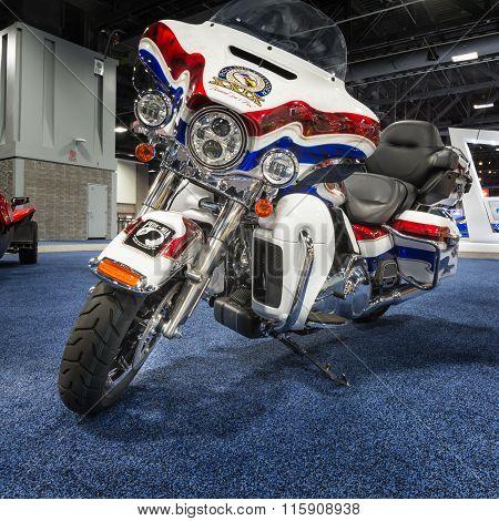 2016 Harley Davidson FLHTK Electra Glide Ultra Limited Rolling Thunder Edition