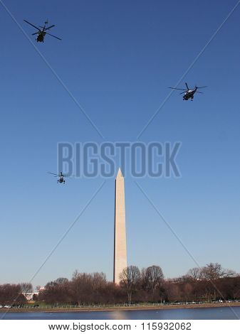 Marine One & Escort Fly By Washington Monument en Route to White House