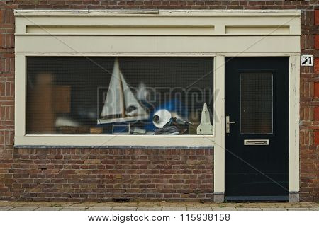 Amsterdam School Style Residential Entrance