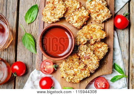 Almond Crusted Chicken Tenders With Tomato Sauce