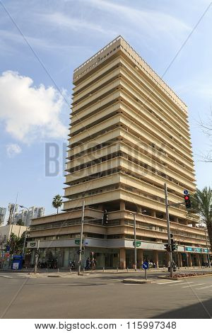 Tel-aviv, Israel - January 22, 2016: Residential Building On The Corner Of Kaplan And Ibn Gabirol