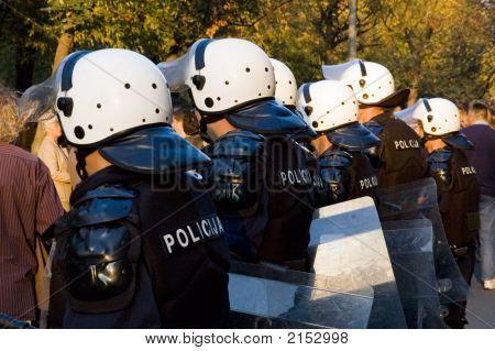 Police 02