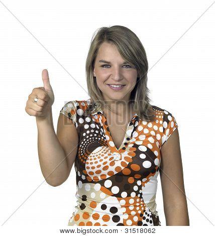 smiling blond Girl Daumen auftauchend