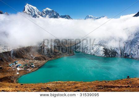 dudh pokhari lake, gokyo, Arakam tse peak and chola tse peak - nepal