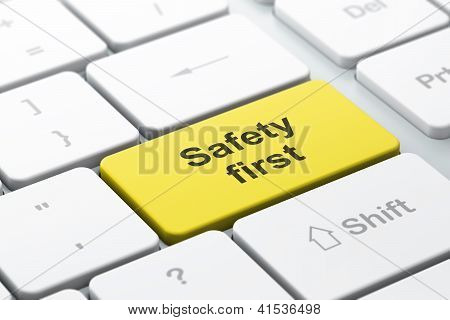Safety concept: computer keyboard with Safety First