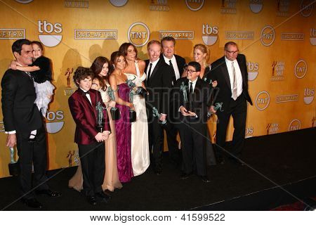 LOS ANGELES - JAN 27:  Modern Family Cast poses in the press room at the 2013 Screen Actor's Guild Awards at the Shrine Auditorium on January 27, 2013 in Los Angeles, CA