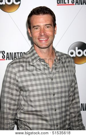LOS ANGELES - SEP 28:  Scott Foley at the Grey's Anatomy 200th Show Party at The Colony on September 28, 2013 in Los Angeles, CA