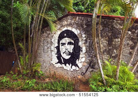 HAVANA - MAY 19: graffiti artwork of Che Guevara on wall in Havana, Cuba on May 19, 2013. Che Guevara was a major figure in the Cuban revolution.