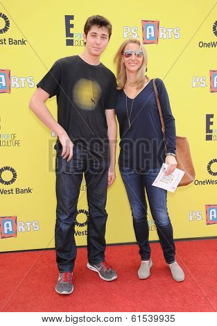 LOS ANGELES - NOV 17:  Lisa Kudrow & Julian Stern arrives to the P.S. Arts Express Yourself 2013  on November 17, 2013 in Santa Monica, CA