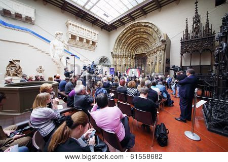 MOSCOW, RUSSIA - NOV 18, 2013: Ceremony of awarding Gold Medal of Lev Nikolayev in Pushkin Museum.
