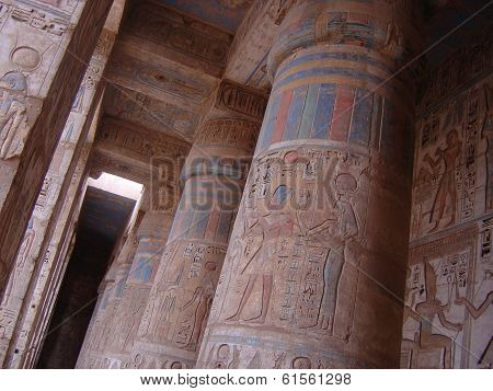 huge columns at egypt temple