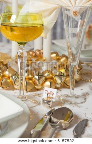 Christmas Table In Gold 5