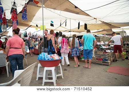 Hisaronu, Turkey - August 25Th 2014 - Unidentified Shoppers At The Market Held Once Weekly In The Po