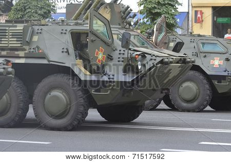 KIEV, UKRAINE - AUG 24, 2014.Ukrainian troops during President Poroshenko Victory parade in downtown. August 24, 2014 Kiev, Ukraine