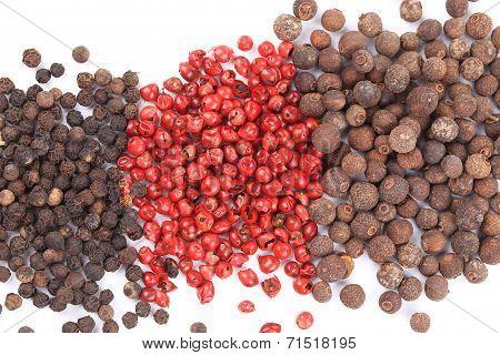 Set of pepper heaps.