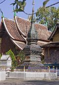 picture of thong  - Wat Xieng thong in Luang Prabang  - JPG