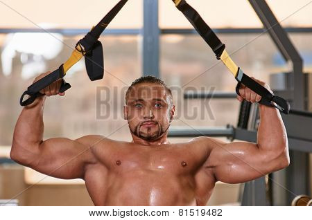 fitness TRX man portrait