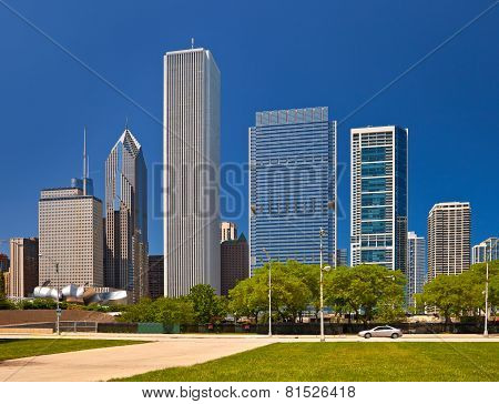 Chicago skyline of downtown buildings