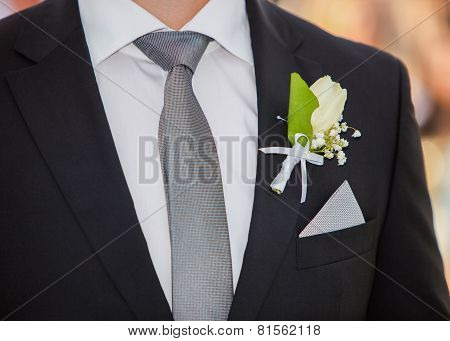 Groom's Suit and Boutonniere
