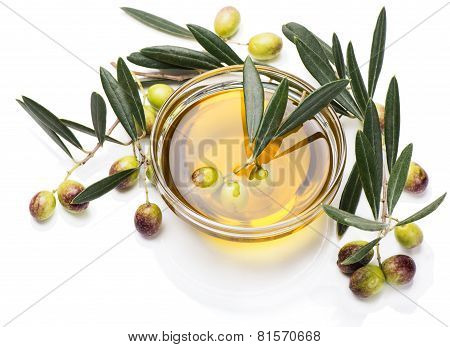 Olives In A Bowl Of Olive Oil