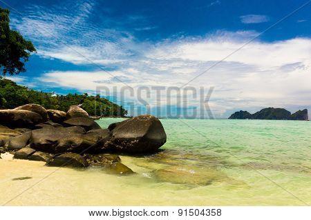 Lagoon View Idyllic Island