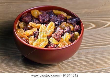 Raisins In  Brown Dich