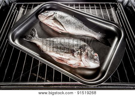 Dorado fish Cooking in the oven.