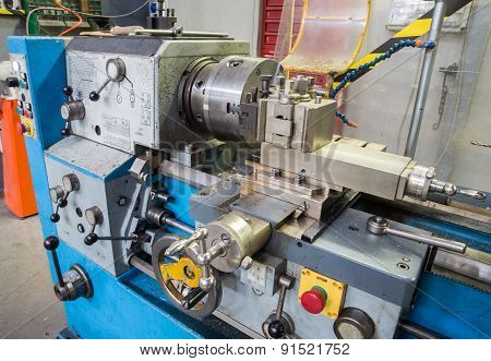 Mechanic Lathe