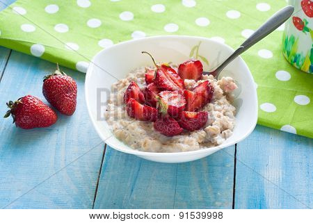 Milk Oatmeal Porridge With Strawberries