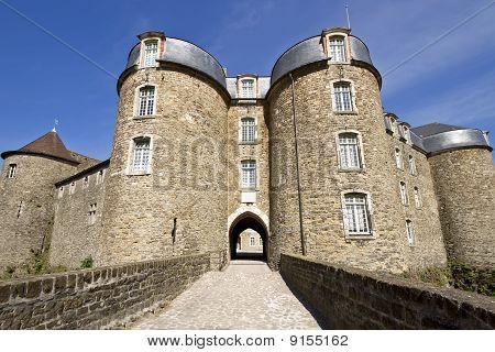 Château De Boulogne-sur-mer Entrance