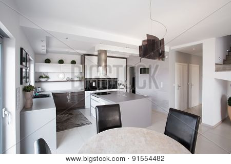 Big Modern Kitchen
